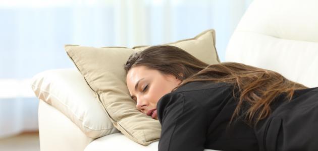 ما هي أعراض نقص الصوديوم في جسم الإنسان