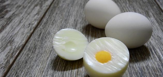 أسرع طريقة لتقشير البيض