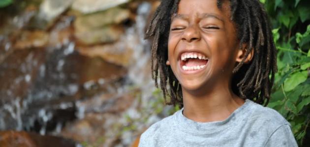 لماذا يضحك الإنسان