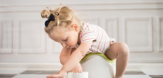 أسهل طريقة لتنظيف الطفل من الحفاظ