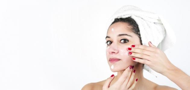 أفضل طريقة لتقشير بشرة الوجه
