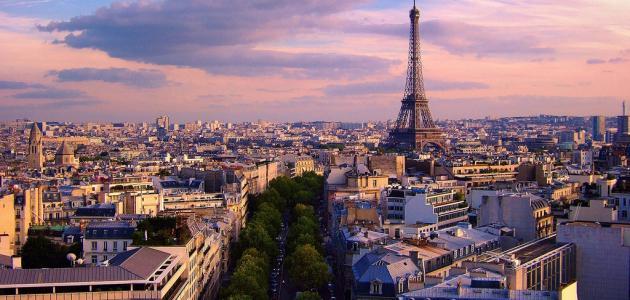 بماذا تشتهر باريس