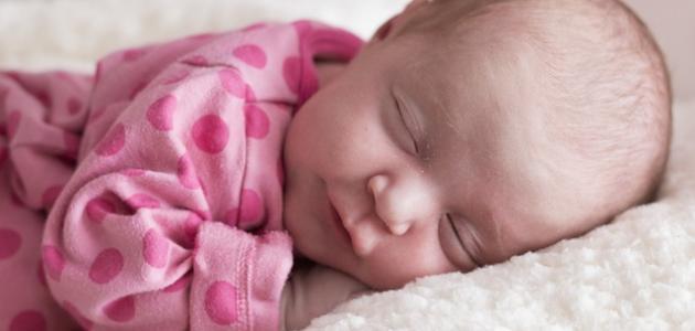 أفضل طريقة لتنويم الطفل الرضيع