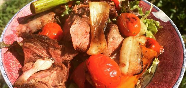 أطباق من اللحم
