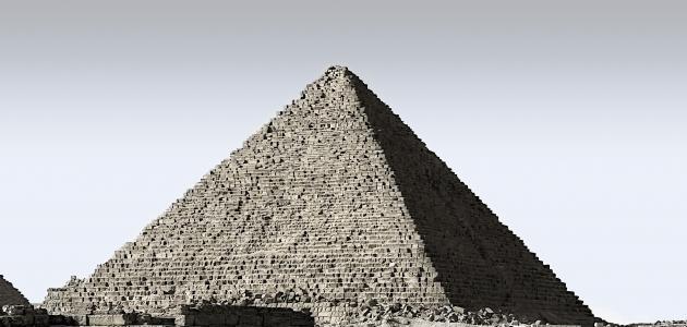 تاريخ بناء الأهرامات