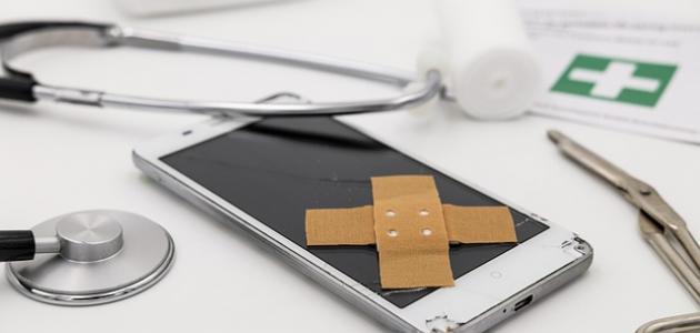 إصلاح شروخ شاشة الموبايل