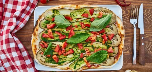 بيتزا بعجينة القرنبيط