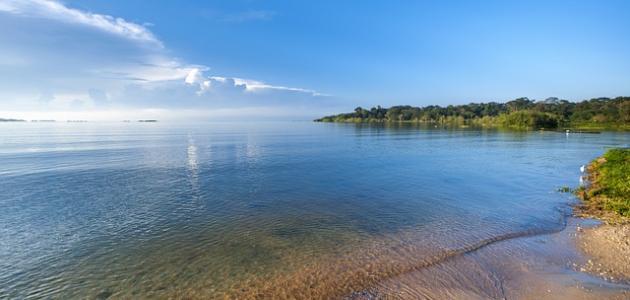 أكبر بحيرة عذبة في أفريقيا