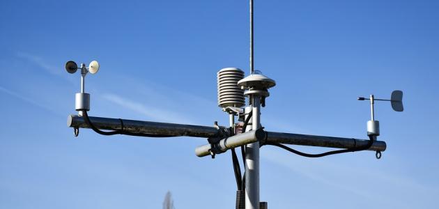 جهاز قياس سرعة الرياح