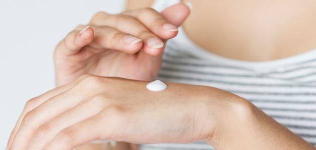 أفضل علاج تجاعيد اليدين