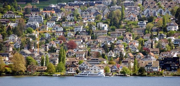 أكبر مدينة كثافة سكانية في سويسرا