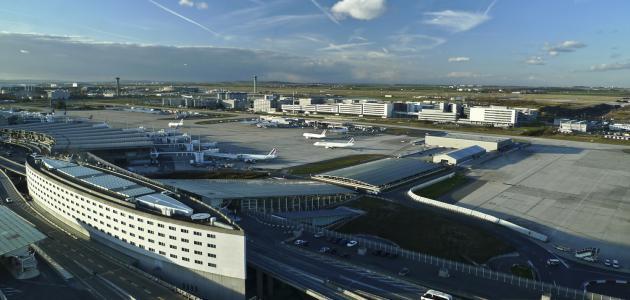 أكبر مطار في أوروبا