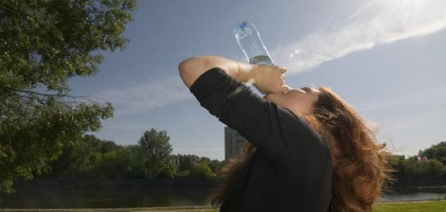 أضرار عدم شرب الماء للجسم