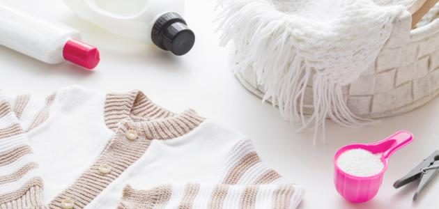 كيفية إزالة الصمغ عن الملابس