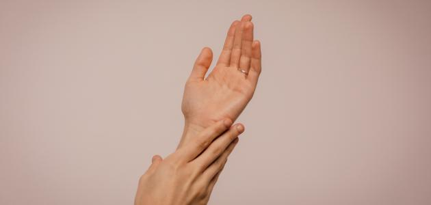 المحافظة على اليدين من التجاعيد
