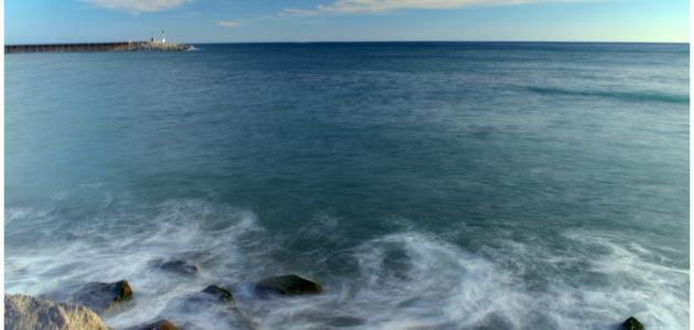 لماذا يتغير لون البحر