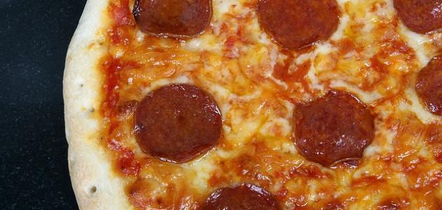 أسهل طريقة عمل البيتزا