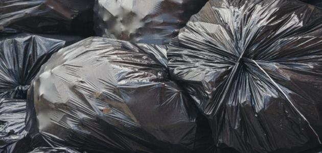 بحث عن النفايات وأثرها على البيئة