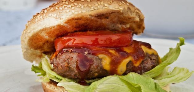 أطعمة تسبب حموضة المعدة