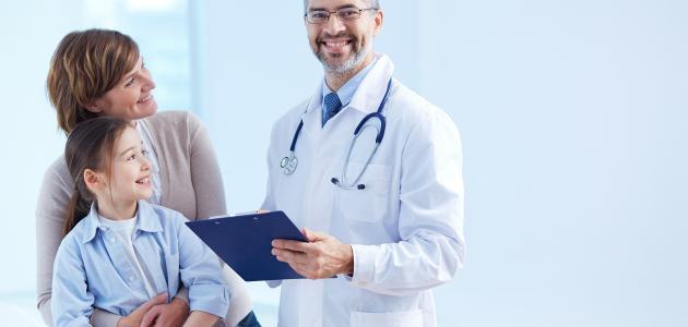 حكم ذهاب المرأة إلى طبيب رجل