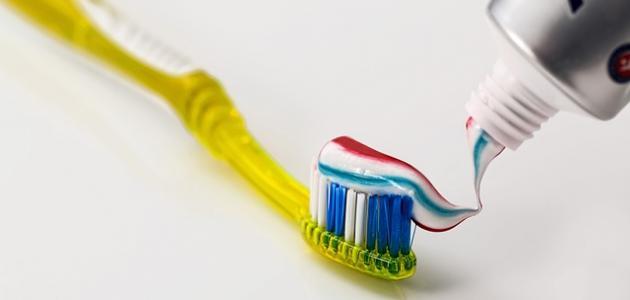 أثر معجون الأسنان على البشرة
