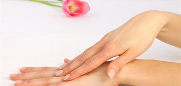 كيفية إخفاء عروق اليدين