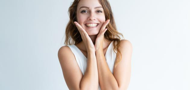 طرق للمحافظة على نضارة الوجه أثناء الرجيم