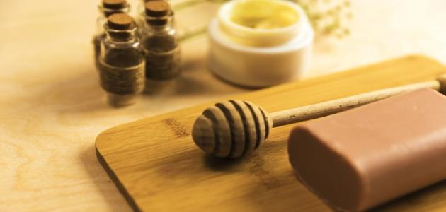 طريقة عمل كريم شمع العسل