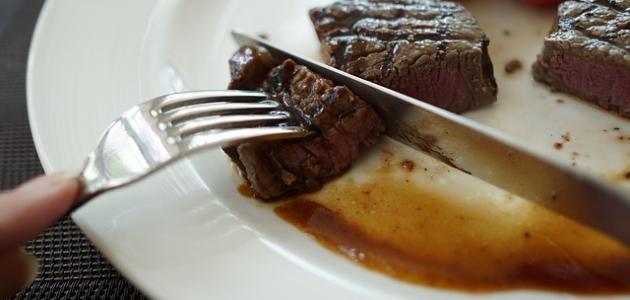 تفسير أكل اللحم