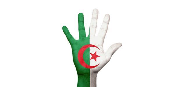أول رئيس للجزائر بعد الاستقلال