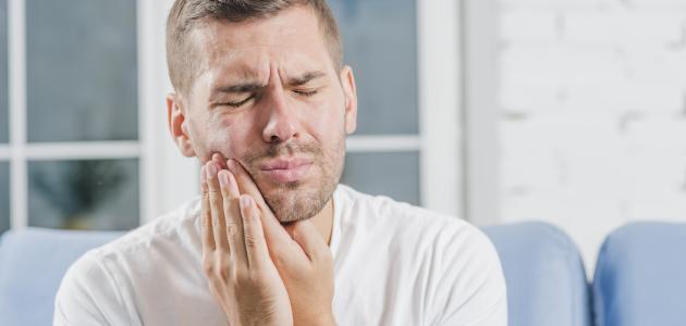 أعراض التهاب عظم الفك