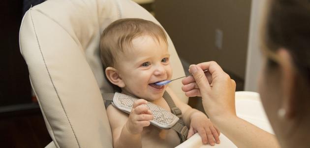 أطعمة الأطفال في الشهر الثامن