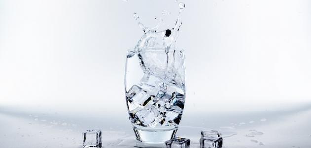 أضرار شرب الماء المثلج