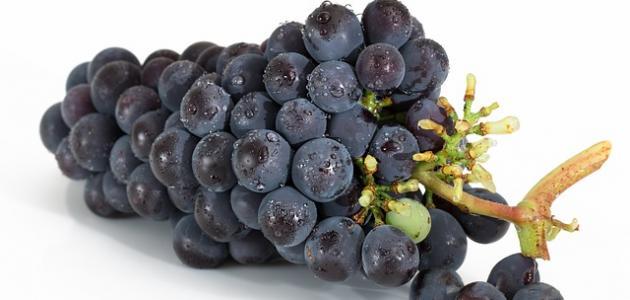 أضرار العنب للقولون