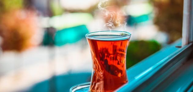 أضرار شرب الشاي بعد الأكل مباشرة