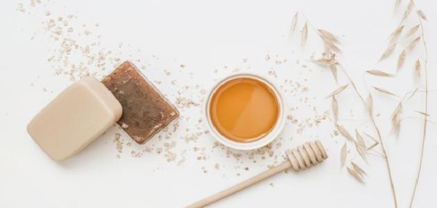 قناع العسل والقرفة لحب الشباب