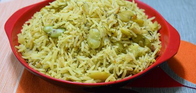 الأرز بالفول الأخضر