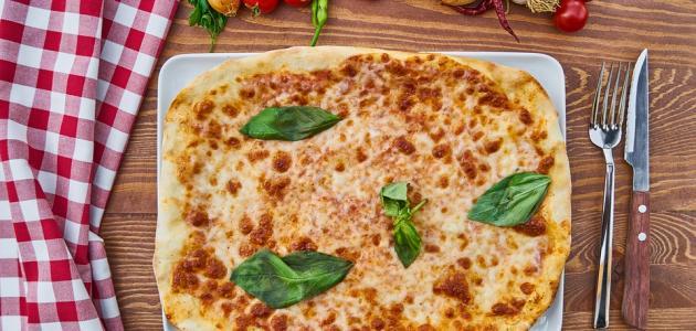 أفضل طريقة لعمل عجينة البيتزا الإيطالي