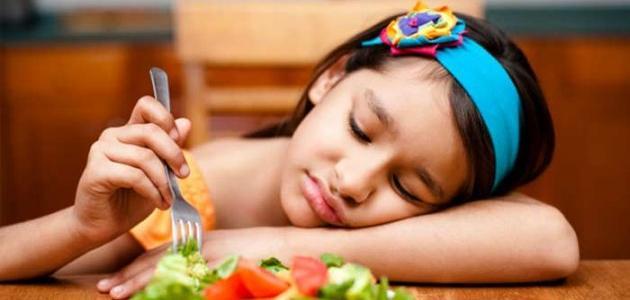 كيفية اقناع الطفل بالأكل