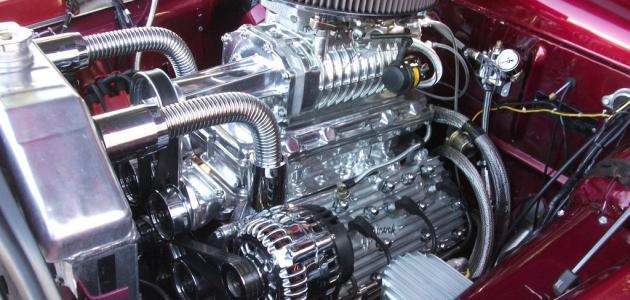 كيف يدور محرك السيارة