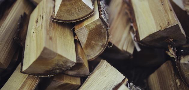 كيفية يصنع الخشب
