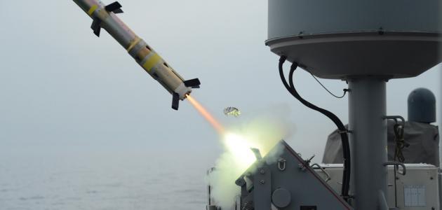 كيف يطير الصاروخ