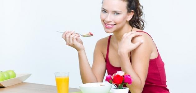 أطعمة تكثف الشعر