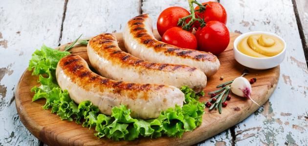كيف يصنع نقانق الدجاج