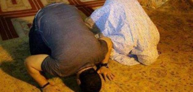كيفية الصلاة لشخصين