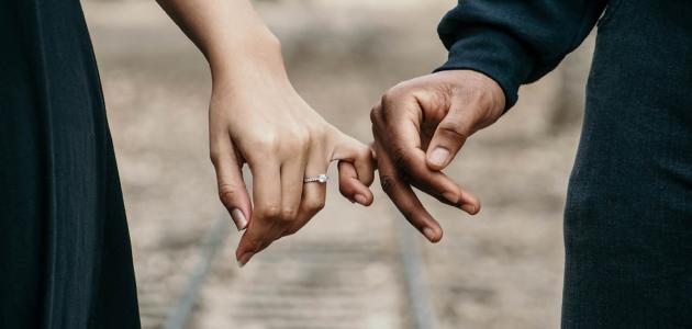 قصائد نزار قباني عن الحب موضوع