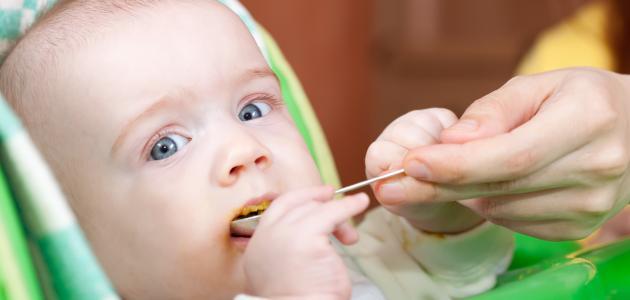 أطعمة للأطفال في عمر 6 شهور