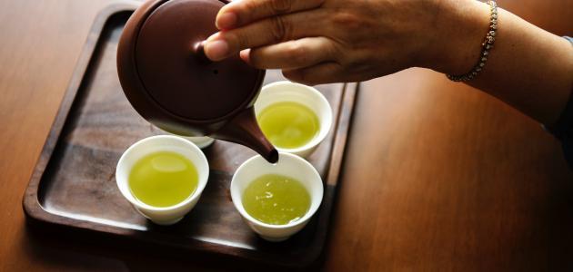 أضرار شرب الشاي الأخضر على الريق