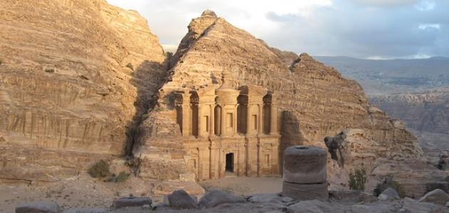 آثار الأردن التاريخية