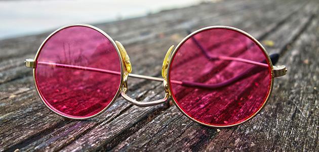 طريقة تنظيف زجاج النظارات من الخدوش